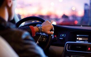 Как оформить дарственную на машину близкому или дальнему родственнику, налоги, документы и страхование